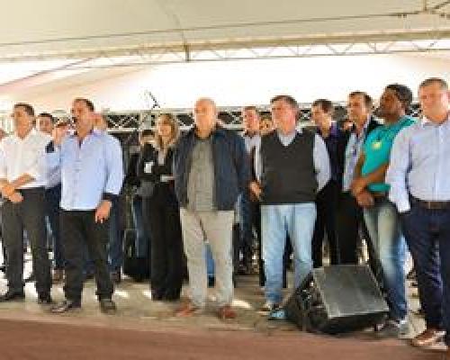Nova Esperança do Sudoeste: Inaugurado novo Paço Municipal
